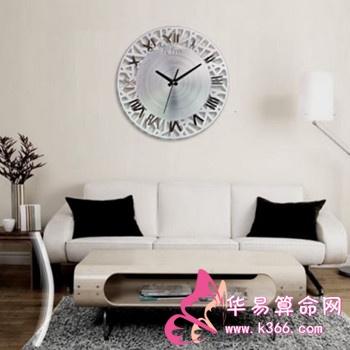 客厅的钟表如何摆放