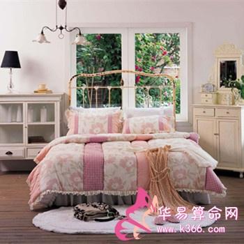 小卧室悬空床结构